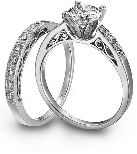 Jewelry Store Losed Woman?s Wedding Ring   Bridal Gowns in