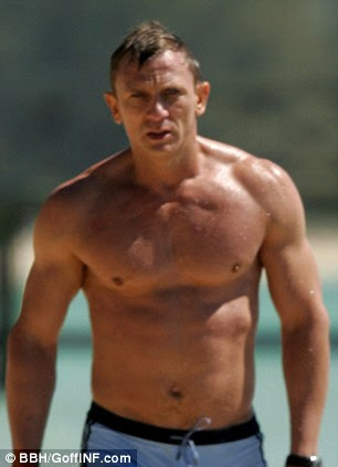 Daniel Craig has that V-shaped torso