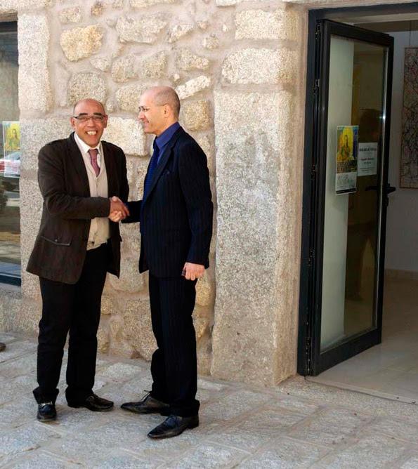 Angel Agrela con el Alcalde Los Molinos Museo Julio Escobar