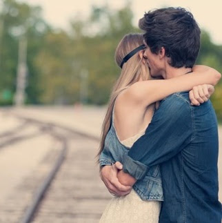 couple-hug-dp-pic-for-whatsapp-and-facebook