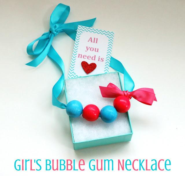 girls bubble gum necklace