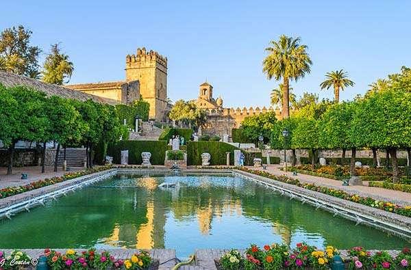 Resultado de imagen de Alcázar de los Reyes Cristianos