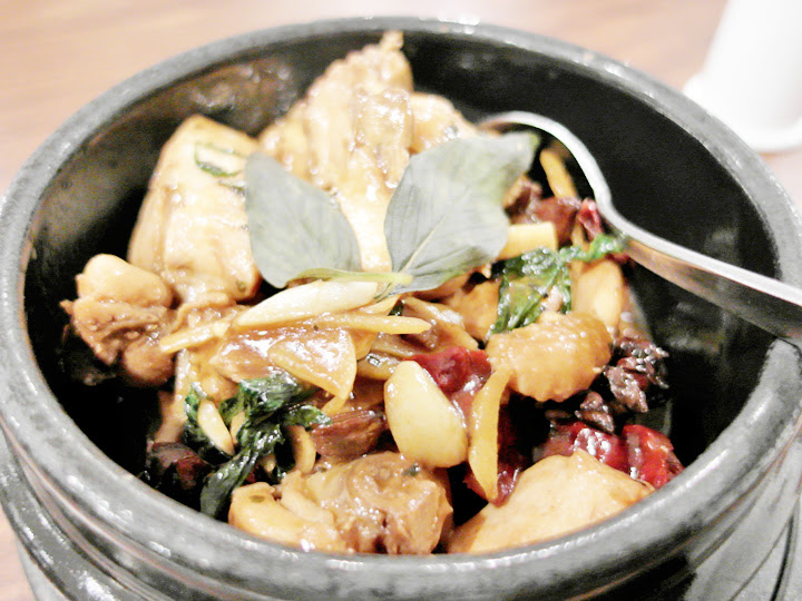 3‐Cup Chicken With Basil