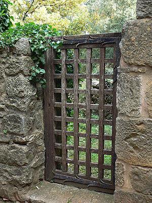 porte du jardin de l'abbaye.jpg