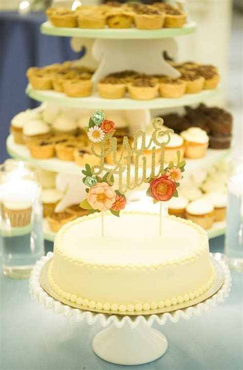 Wedding Cake Etiquette: Where to Place the Cake and When