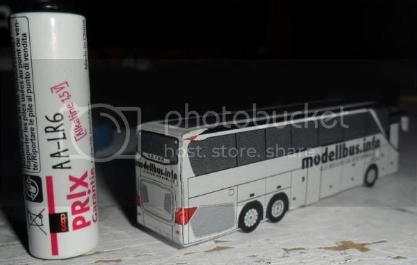 photo megamoonliner.mini.bus.papercraft.via.papermau.02_zpsu8m4y8qd.jpg