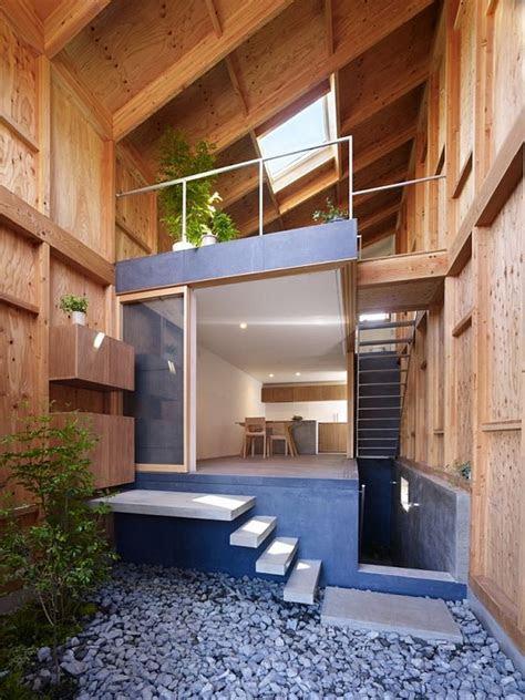 house   small  narrow site  kanagawa japan