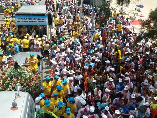 Caminhada 'Diga Sim à Vida' começou na manhã deste domingo (16), em Boa Viagem (Foto: Marlon Costa/Pernambuco Press)