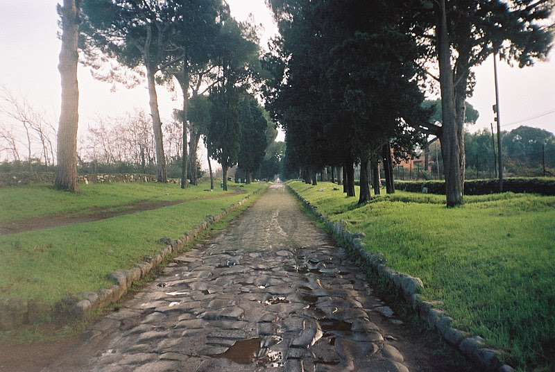 Archivo: Via Appia Antica Roma 2006.jpg