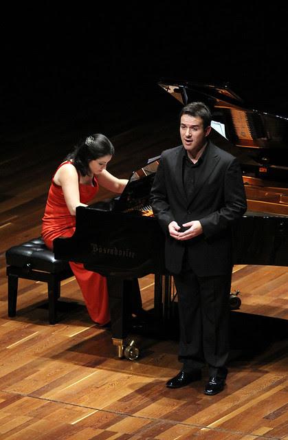 JAVIER ALONSO (TENOR) Y AINOA PADRÓN (PIANO) - AUDITORIO CIUDAD DE LEÓN - 24.10.11