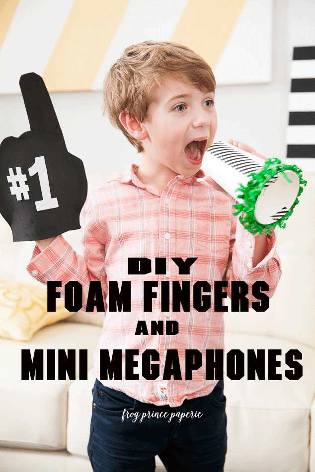 Foam-Finger-and-Mini-Megaphone-1