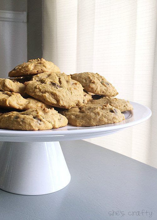 Soft and Fluffy Pumpkin Chocolate Chip Cookies- these cookies are the softest and most delicious fall treat from www.shescraftycrafty.com
