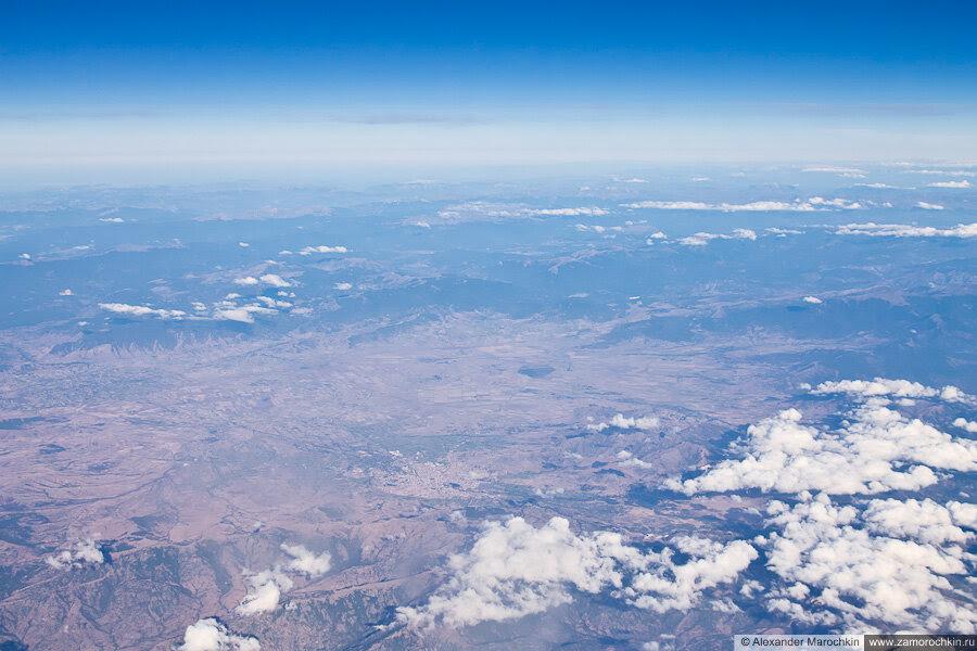 Пролетая на самолёте над Балканами