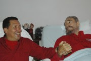 Hugo Chavez rend visite à Fidel Castro alors... (AP) - image 3.0