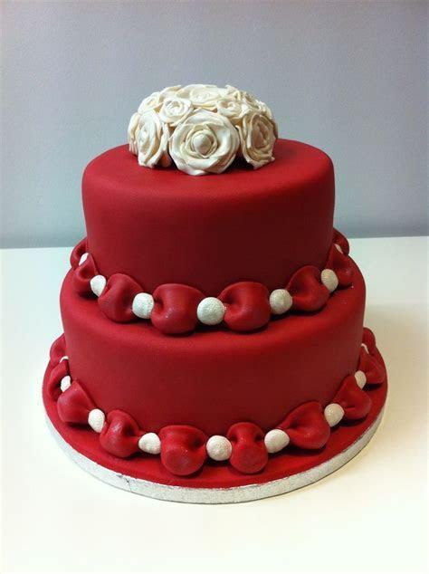 Best 25  Red fondant cakes ideas on Pinterest   Christmas