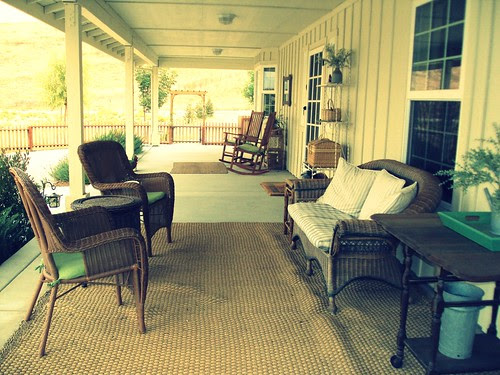 aunts porch