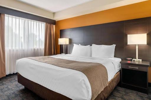 Hotel Quality Inn & Suites Bathurst in Bathurst (NB) | CanaGuide