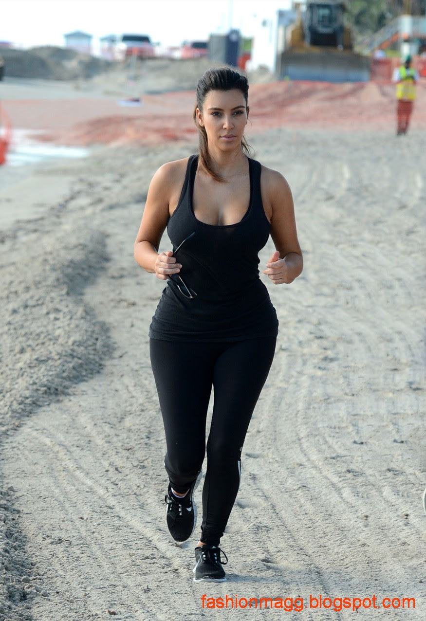 Kim-Kardashian-on-the-Morning-Walk-on-a-Beach-in-Miamii-Photoshoot-4