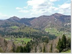 pogled v dolino, na levi Grmada