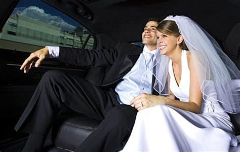 Wedding Limo Service   Des Moines' Finest in Chauffeured
