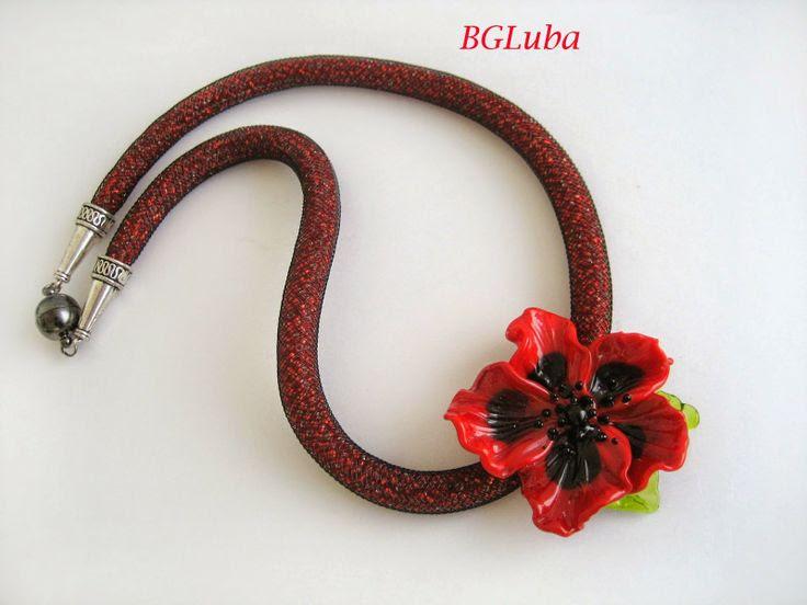Beauty & Glamour: Necklace Glass Poppy Flower