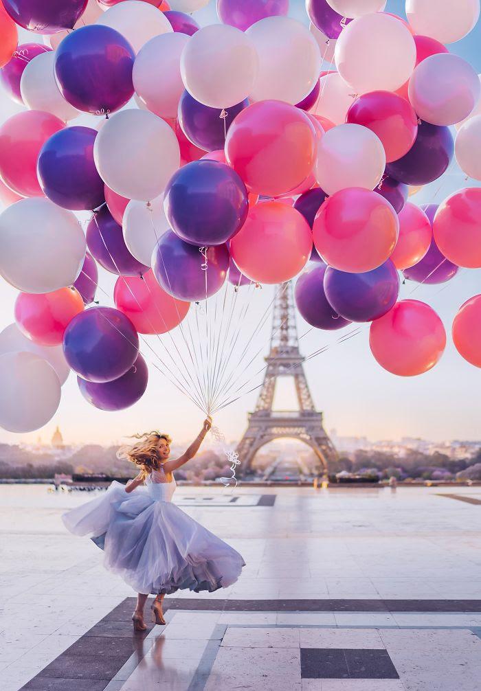 Torre Eiffel, París, Francia. Modelo: Vera Brezhneva