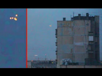 UFO Over RUSSIA? Mysterious UFO Lights Hovering In The Sky