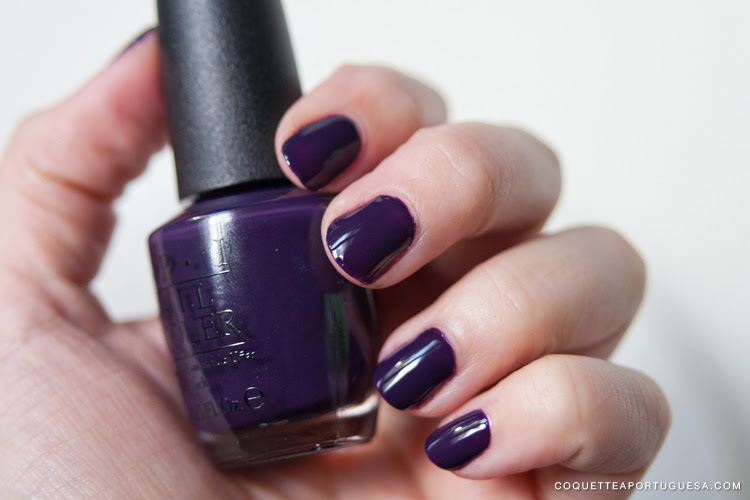 viking in a vinter vonderland opi nail lacquer nor