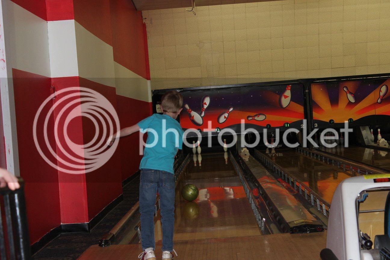 photo bowling18_zps8vshbcyu.jpg