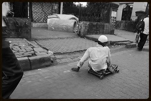 Chalti Ka Nam Gadi... by firoze shakir photographerno1