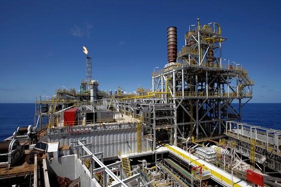 Plataforma para Exploração do Petróleo em Águas Profundas