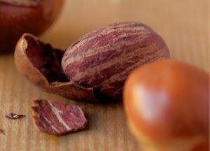 la nuez de karité contiene de un 45 a un 55% de materias grasas