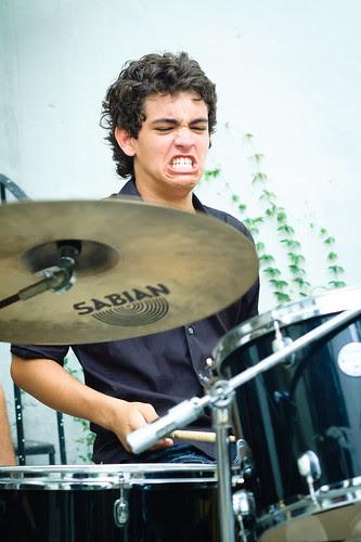 joven baterista by escael