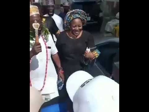 Fuji Musician, Pasuma Officially Crowned Chief Atunluse Of Omole Land. VIDEO