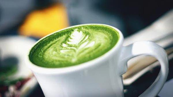 الحليب خالي الدسم مع الشاي الأخضر يقي من سرطان القولون