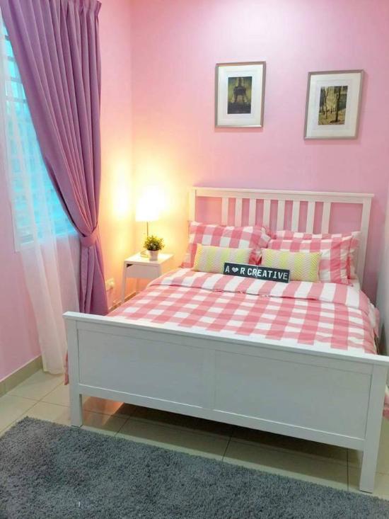Desain Kamar Minimalis Pink