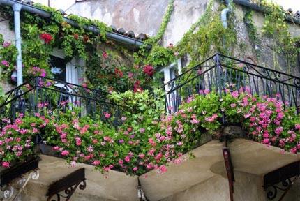 Πώς να μετατρέψτε τη βεράντα ή τον κήπο… σε παράδεισο!