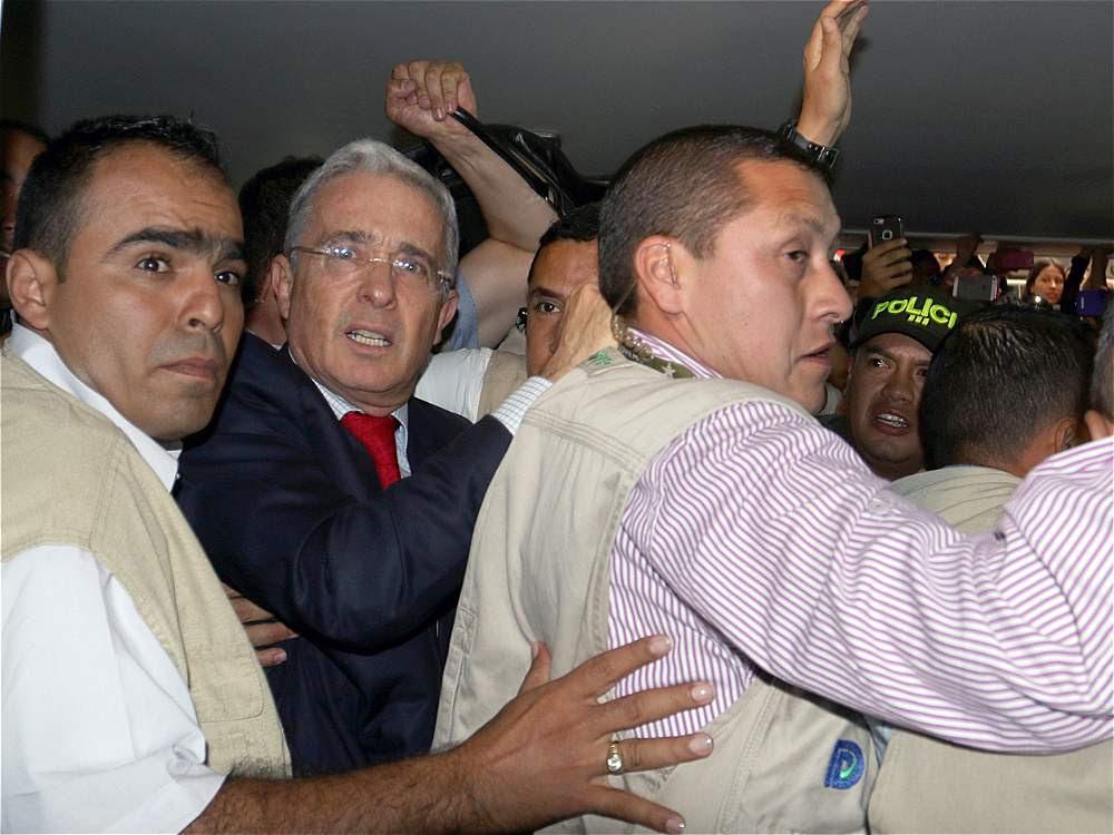 Medida de Aseguramiento contra Álvaro Uribe Vélez - CH+ Channel Plus  Noticias Colombia
