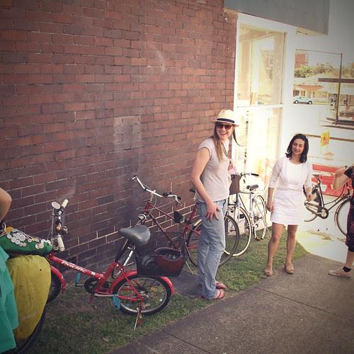cycle chic sundays - to market