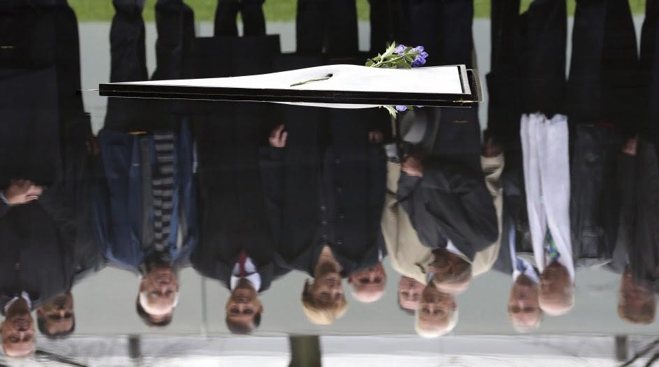 Merkel honra a las víctimas del nazismo