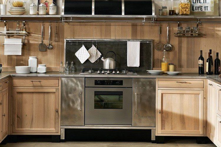 Edelstahl Arbeitsplatte für die Küche - die Vor- und Nachteile