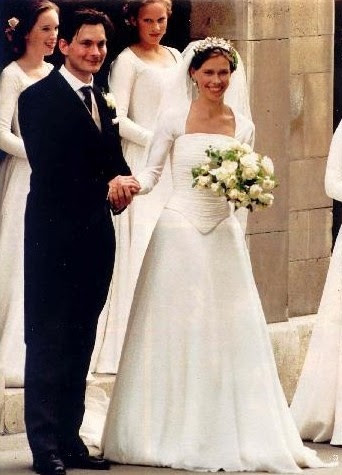 My favourite royal bride of all time Lady Sarah Armstrong Jones and Daniel Chatto, July 14, 1994 wearing Jasper Conran