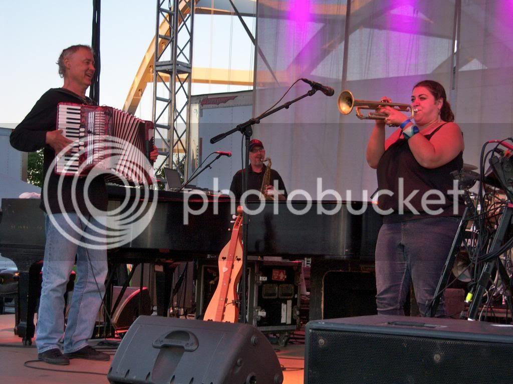Bruce Hornsby & Van Ghost trumpeter