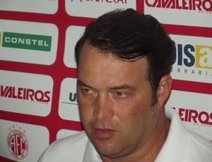 Roberto Fernandes, técnico do América-RN (Foto: Jocaff Souza)