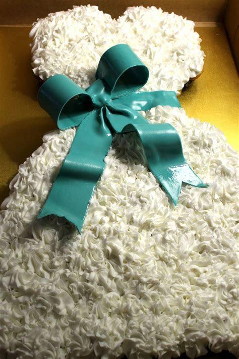 Wedding Dress Cake, Wedding Dress Cupcake Cake.   Pull   A