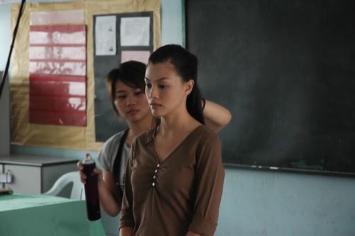 Carmen Soo undergoing make-up