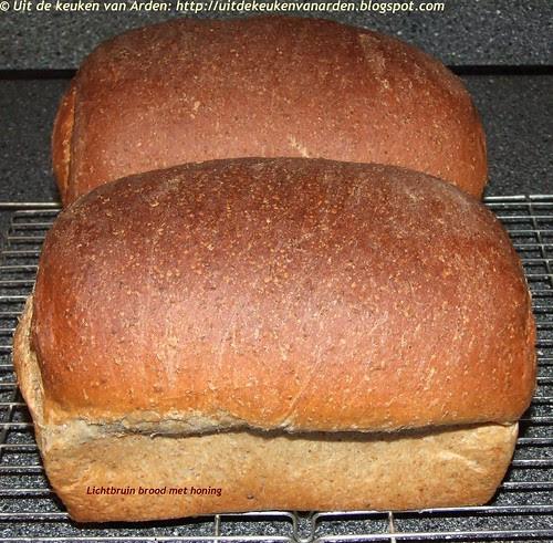 Lichtbruin brood met honing