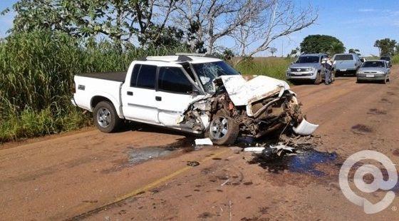Prefeito, duas grávidas e mais três pessoas ficam feridas após colisão entre caminhonetes