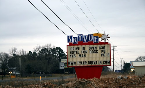 sky vue drive-in theater sign