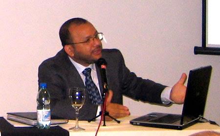 Andrés Cañizález exponiendo en un Seminario organizado por CADAL en Montevideo.